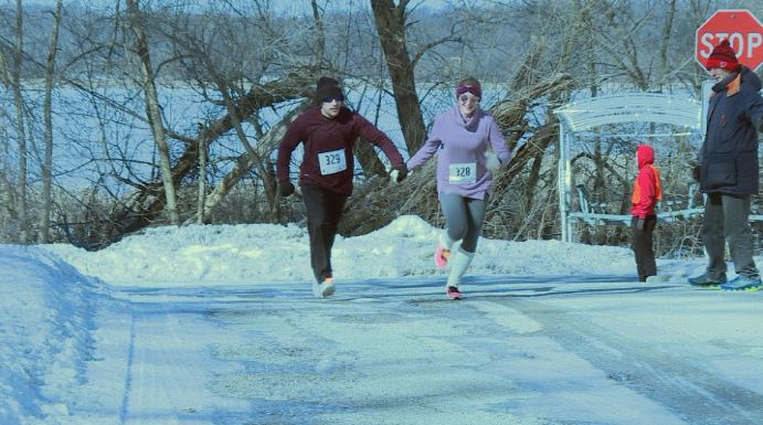 Valentine's 5K brings runners out into the cold