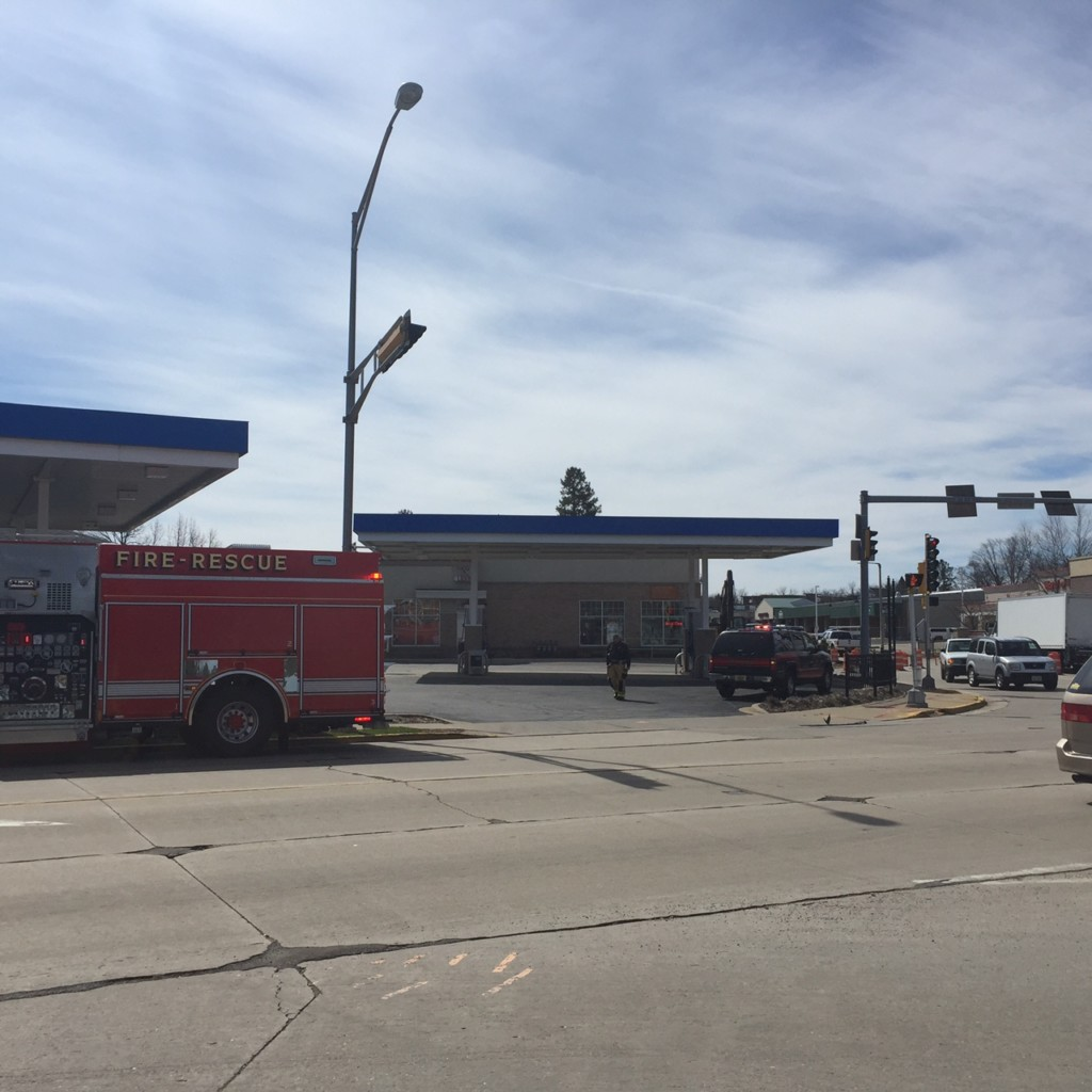 Gas leak closes street, businesses in Verona