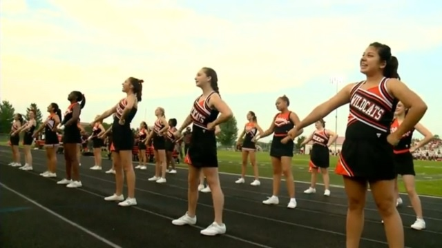 Verona cheerleading leads Wildcats off the field