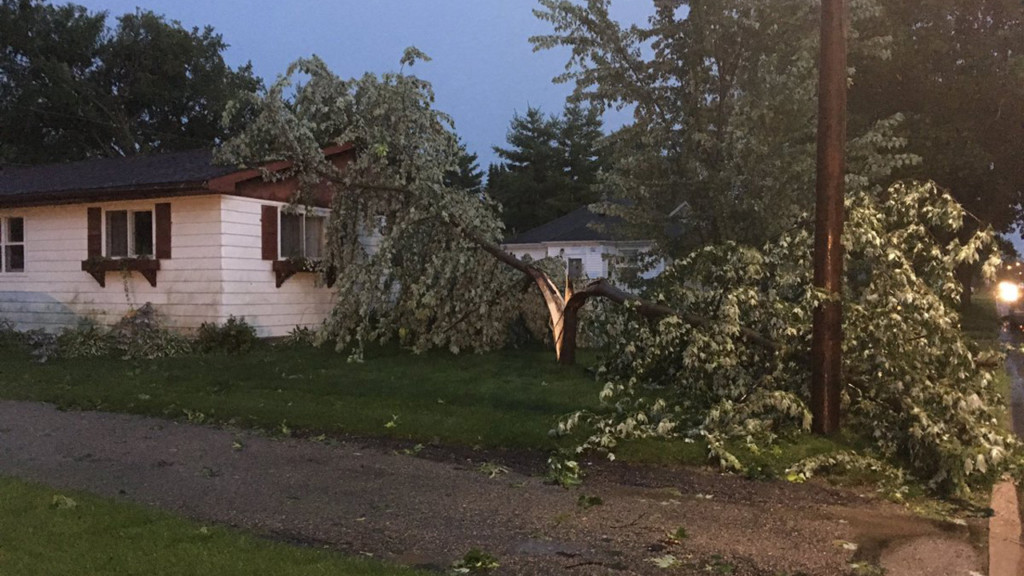 Storm causes power outage in Verona