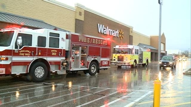 Fire closes Walmart for hours Saturday