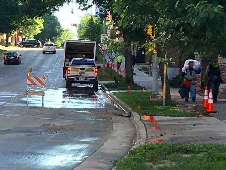 Water main break closes W. Johnson Street in downtown Madison