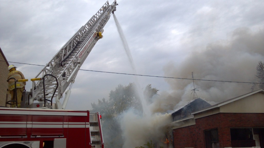 Fire causes damage in downtown Waterloo