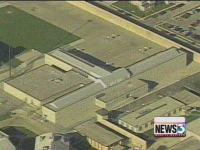 Waupun prison goes into lockdown for searches
