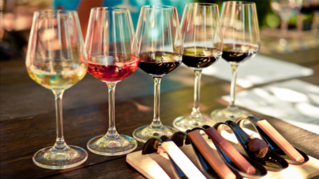Five things you can learn from the color of your wine