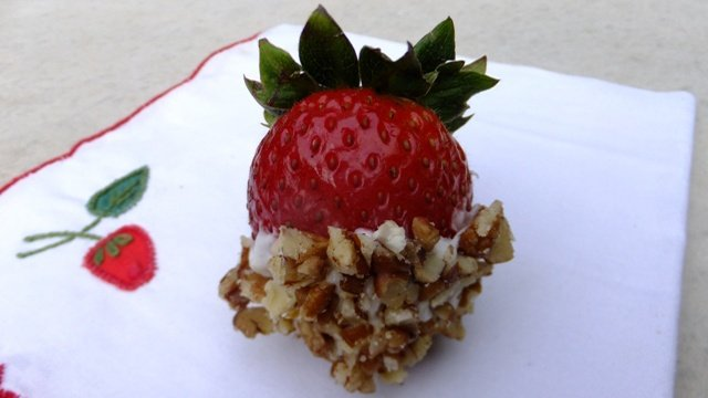 Donna's Pecan Dipped Strawberries