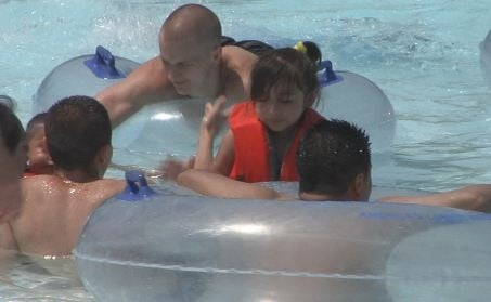 Wisconsin Dells water parks see wave of business