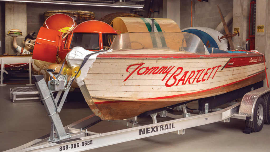 Tommy Bartlett show boat