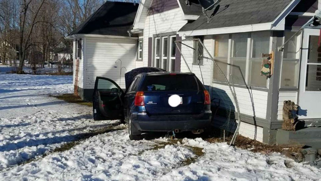 car hits houses pardeeville