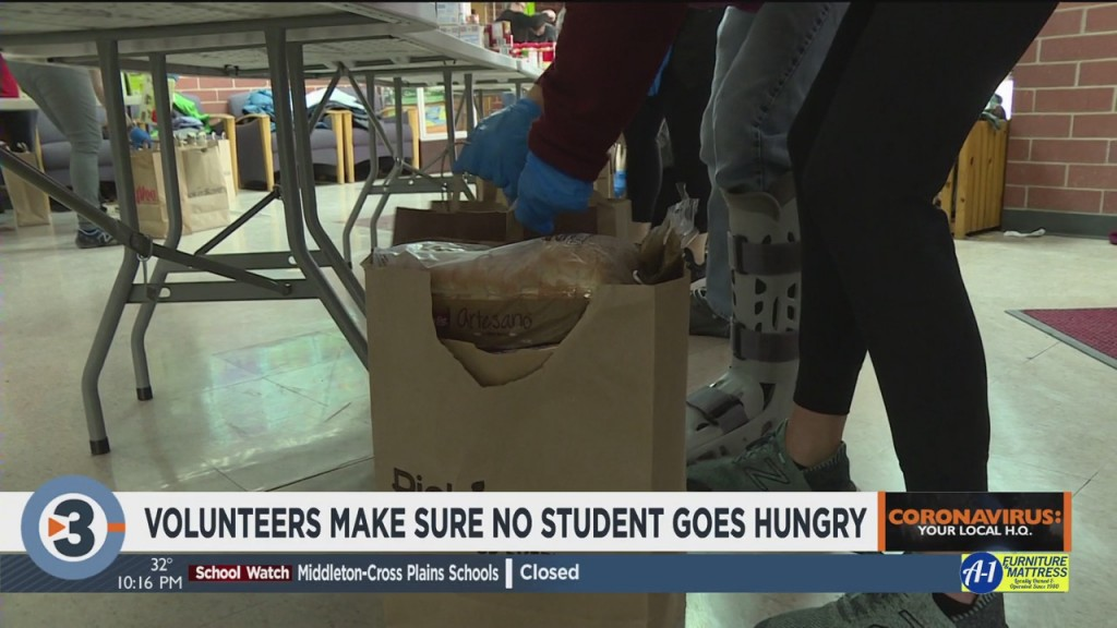 Volunteers Make Sure No Student Goes Hungry