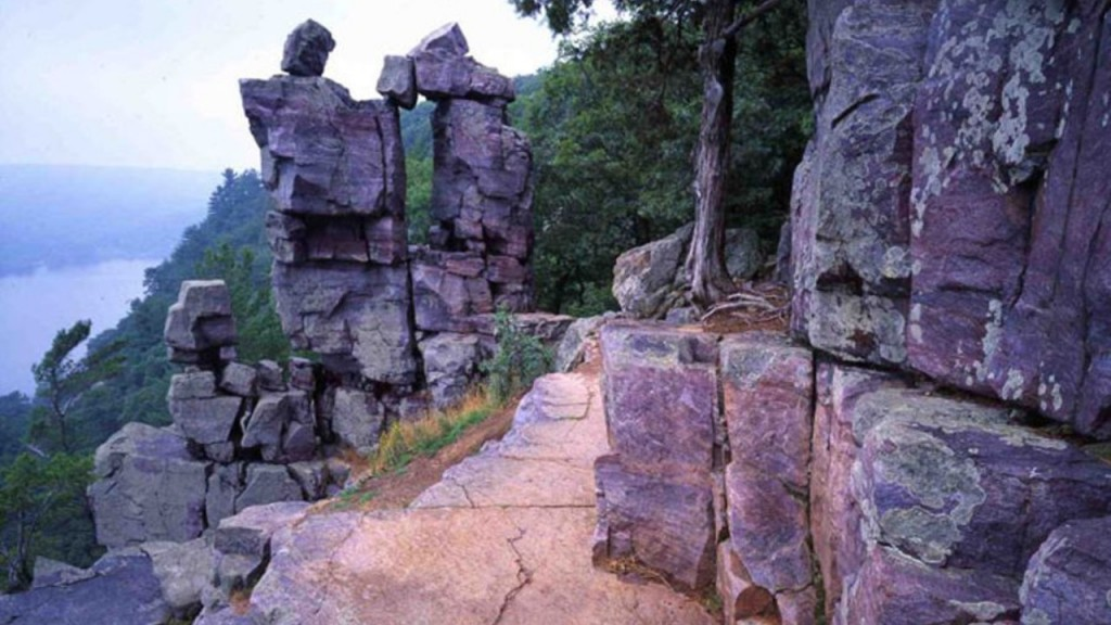 Devils Lake Devils Doorway Dnr Submitted 1280