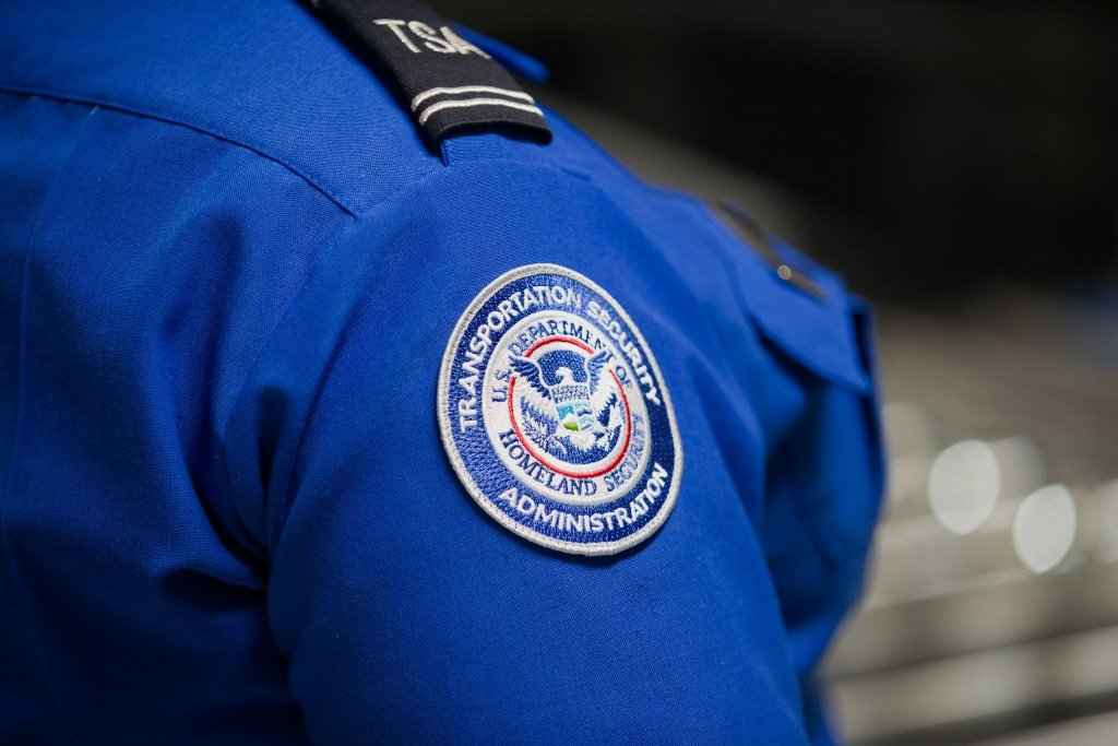 New 3 D Explosives Scanner Installed At Tsa Checkpoint At Miami Airport