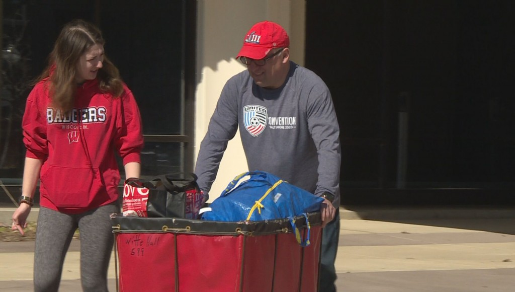 Parents help students move out of dorms