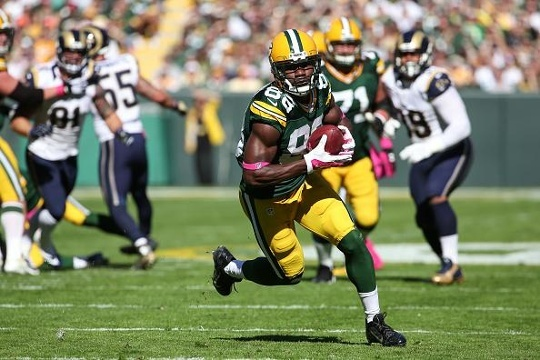 Packers' defense backs Rodgers in 24-10 win over Rams
