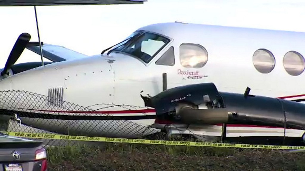 Teen steals plane, crashes into building