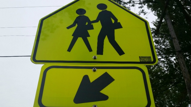 School crossing guard wants to make 'Welcome to Daytona 500' sign