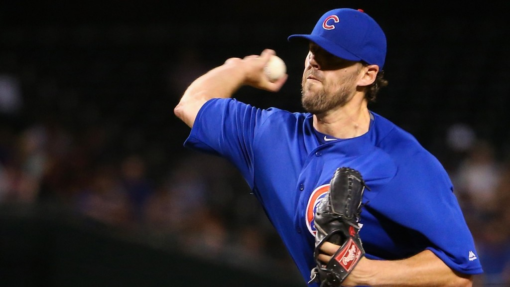 Cubs starter Lackey exits with stiff shoulder