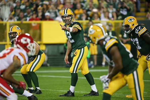 Rodgers in complete command as Packers beat Chiefs