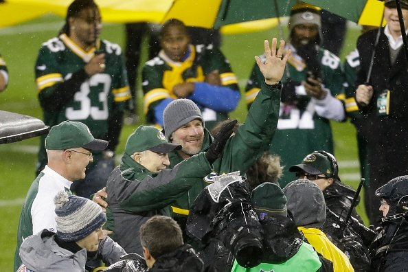 One more memorable moment for Favre, Packers at Lambeau