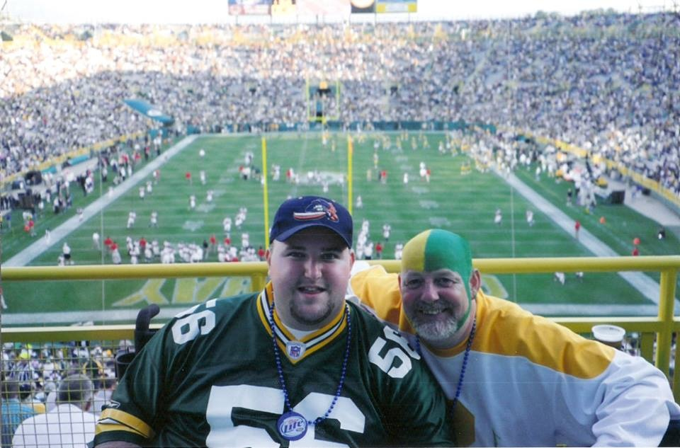 Family honors son by gifting an amazing Packers experience