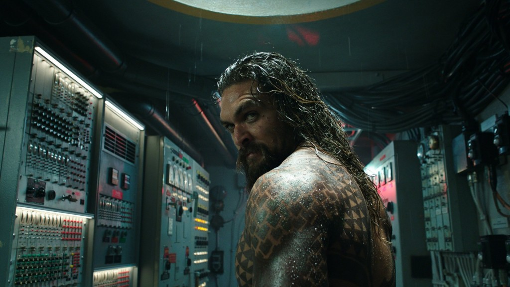 'Aquaman' wins holiday box office battle