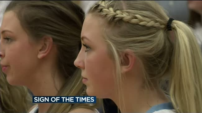 Girls hoops player with hearing disability headed to state