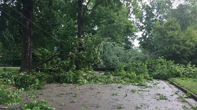 Crews continue to clean up, restore power in Columbus
