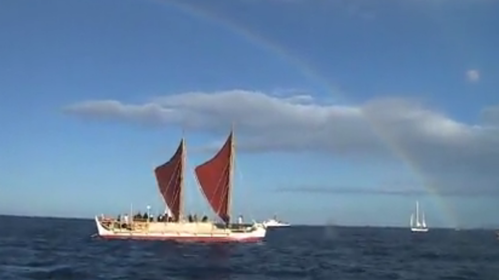 Hawaii deep sea canoe returns home after global voyage
