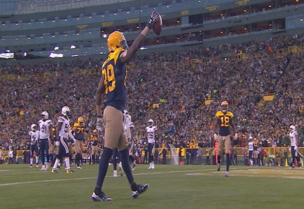 Packers hold off pass-happy Chargers for 27-20 win