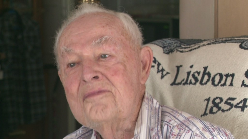 New Lisbon man one of 2 final witnesses to end of WWII