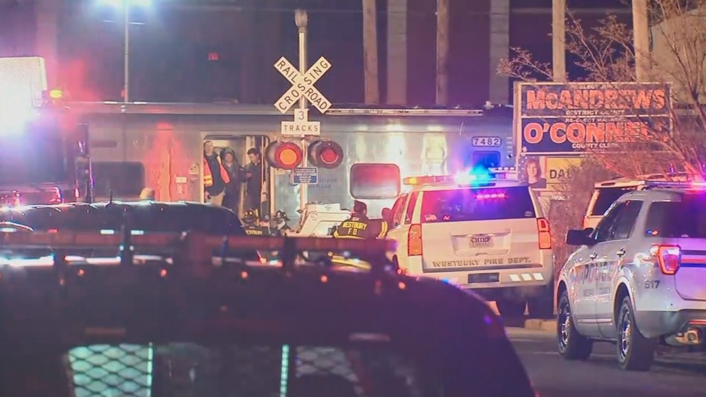 3 killed after car hit by 2 NY trains going opposite directions