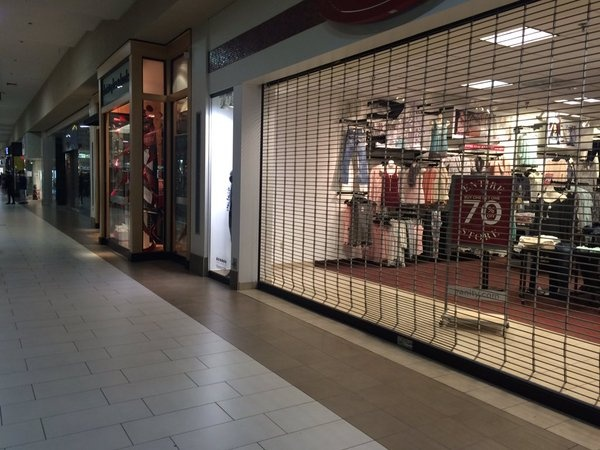 Police: Bomb threat at Janesville Mall a hoax