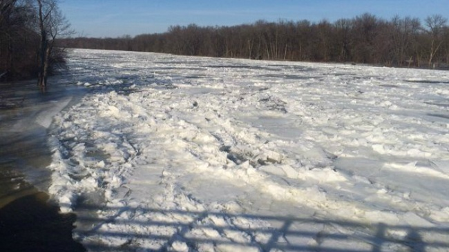 Ice jam on Rock River causes flooding south of Janesville