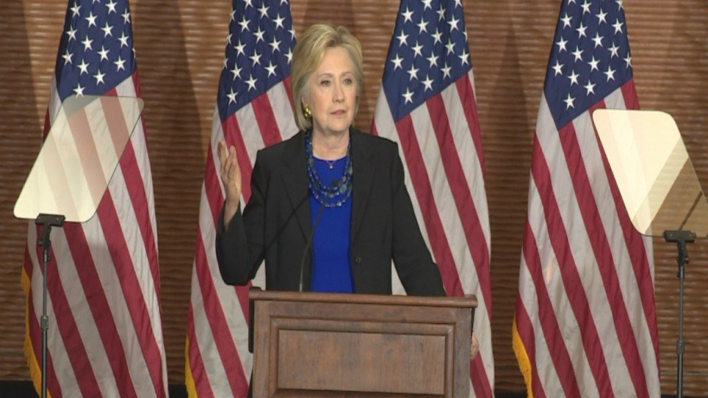 Clinton: Supreme Court's future hangs in balance in 2016