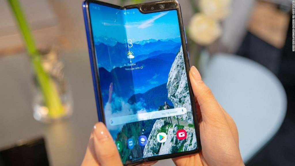 Samsung delays Galaxy Fold launch after early models broke