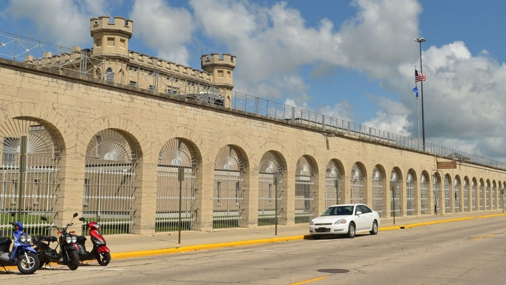 Inmate hunger strike starts; aim is to end long-term isolation
