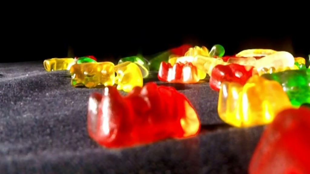 Mom arrested after elementary students exposed to marijuana gummies