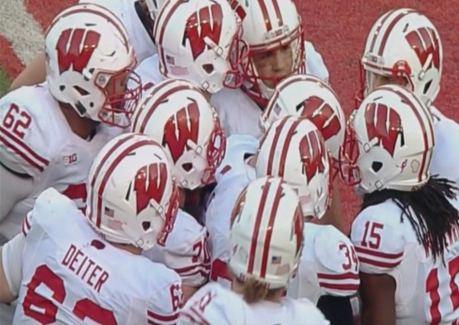 Gaglianone's 46-yarder lifts Wisconsin over Huskers 23-21