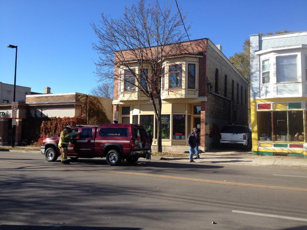 Gas leak prompts evacuations, closes Williamson Street