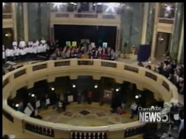 State officials tweak rules on Capitol gatherings
