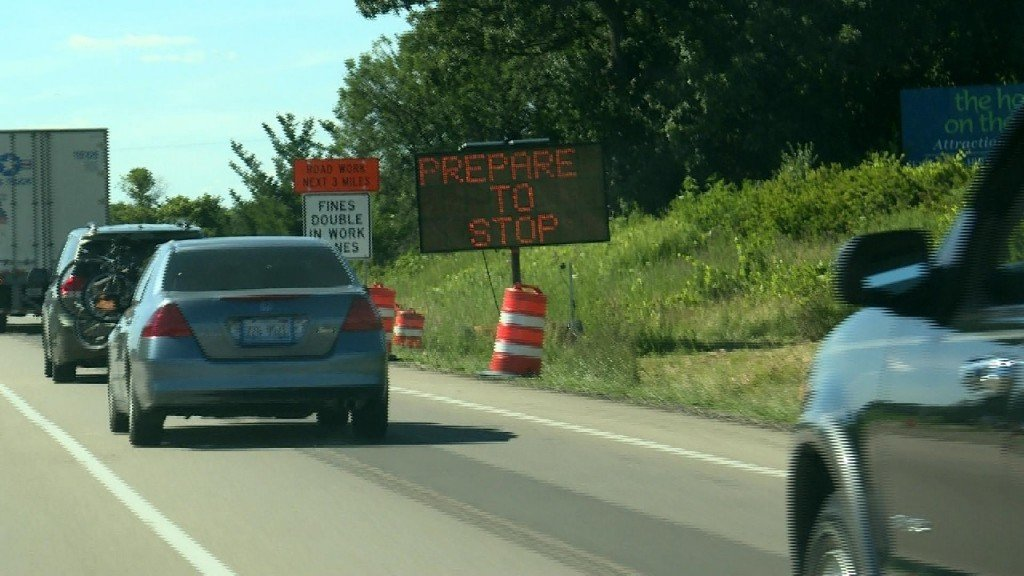 New electronic signs warn drivers of slow traffic in construction zones