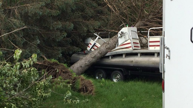 Cassville river homes take brunt of storm damage, power outages