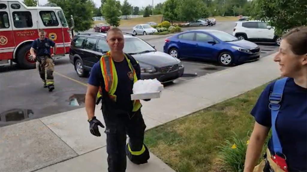 Firefighters help deliver pizza for injured delivery driver