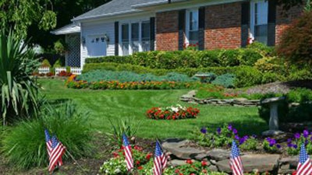 Plan an easy landscape project