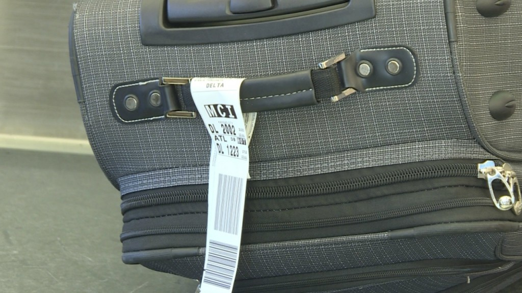 Aviation bill could bring money back to travelers with missing bags