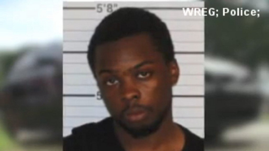 Tennessee man steals date's car, picks up another date