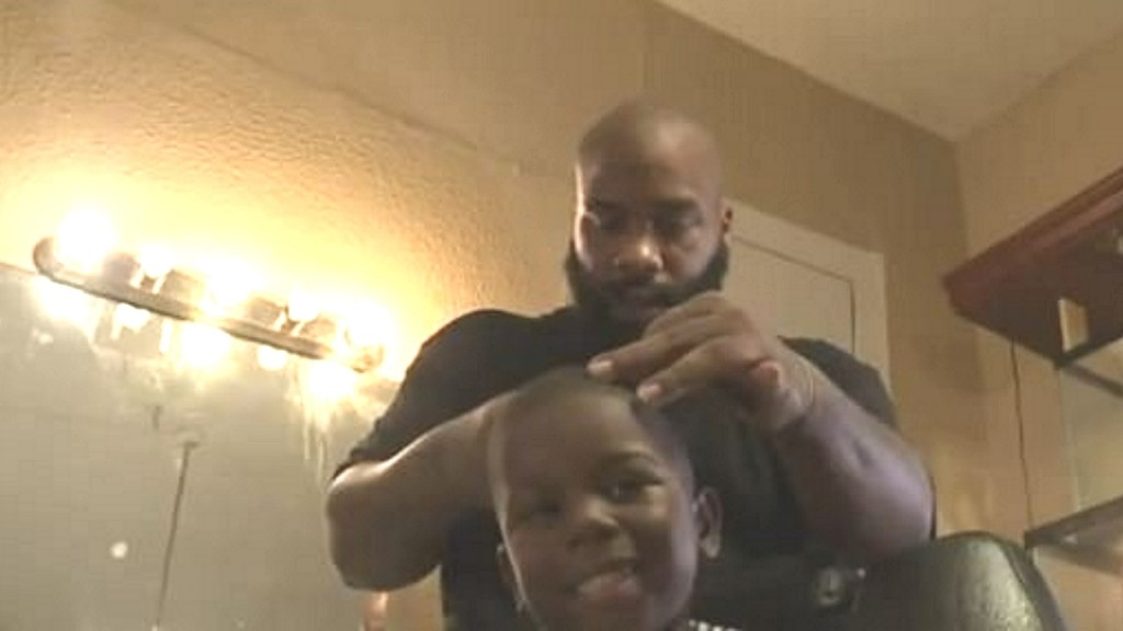 New Orleans barber aims for world record: Most free haircuts for kids