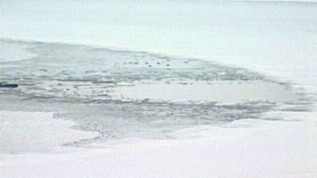 10 anglers rescued from ice floe break in northern Wisconsin