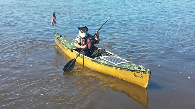 80-year-old paddling length of Mississippi River makes quick La Crosse stop