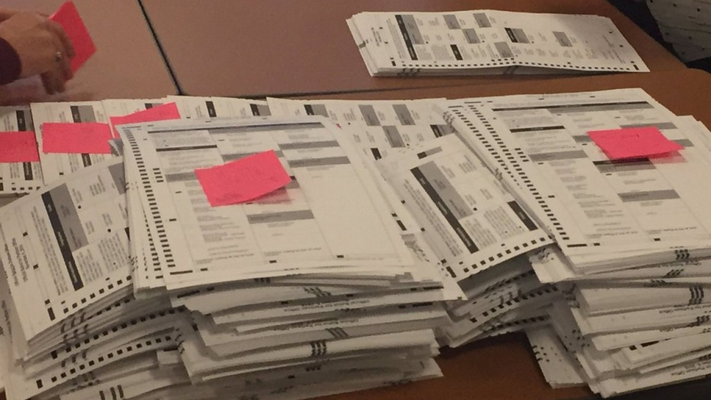 PHOTOS: Tabulators recount presidential votes in Wisconsin